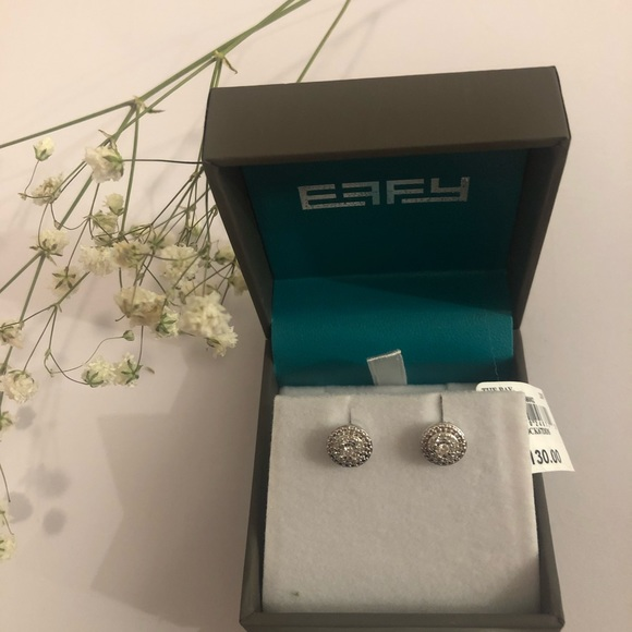 *NWT* EFFY Silver Diamond Earrings